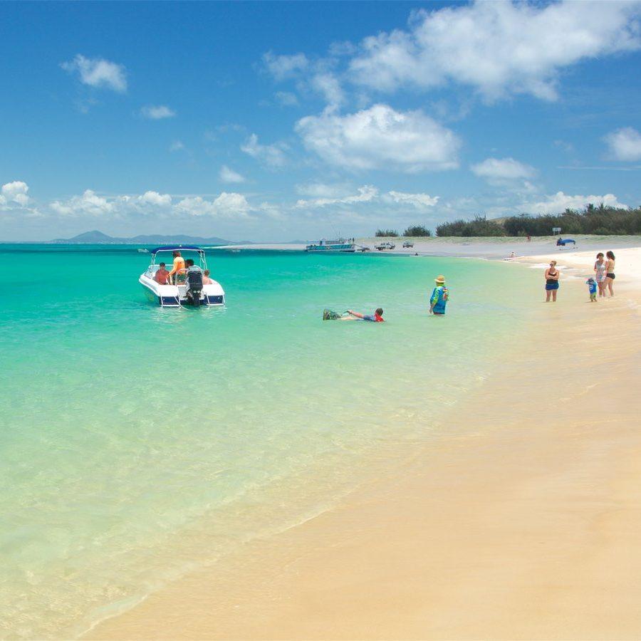 http://www.sailinn.com.au/wp-content/uploads/2016/05/183120-Great-Keppel-Beach-e1481430964527.jpg