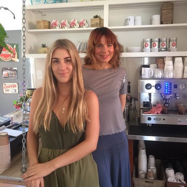 http://www.sailinn.com.au/wp-content/uploads/2016/12/coffee-cafe-yeppoon11-e1482035401303.jpg