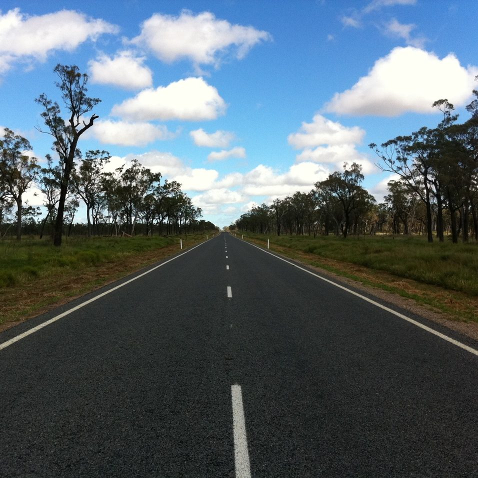 https://www.sailinn.com.au/wp-content/uploads/2016/12/Gregory_Highway_QLD_Australia-e1482049430924.jpeg